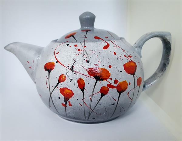RED POPPIES PORCELAIN TEAPOT by Cinzia Mancini