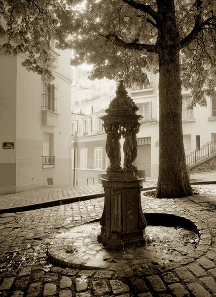 MONTMARTRE (LIMITED EDITION 1-10) by Peter Holzapfel