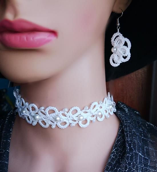Set of  necklace/choker earrings and bracelet  by Susana Zarate