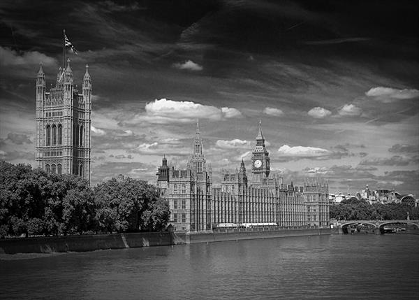 The Houses Of Parliament London by David Henderson