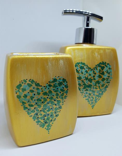GOLDEN HEART - TWISTED CERAMIC SOAP DISPENSER & TUMBLER by Cinzia Mancini