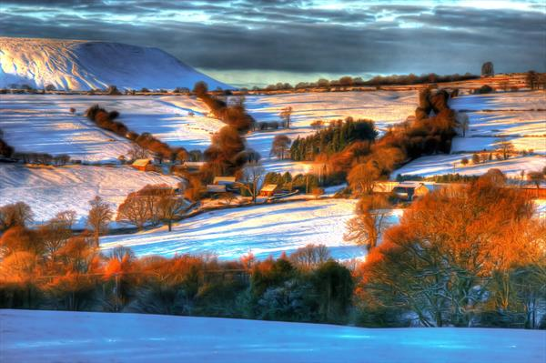 English Country Winterland  by Steve Lindon