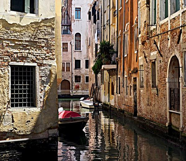 VENETIAN STREET (LIMITED EDITION 1-10) by Peter Holzapfel